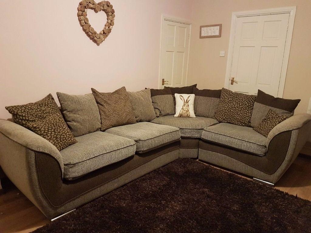Những ưu điểm của sofa vải nhung
